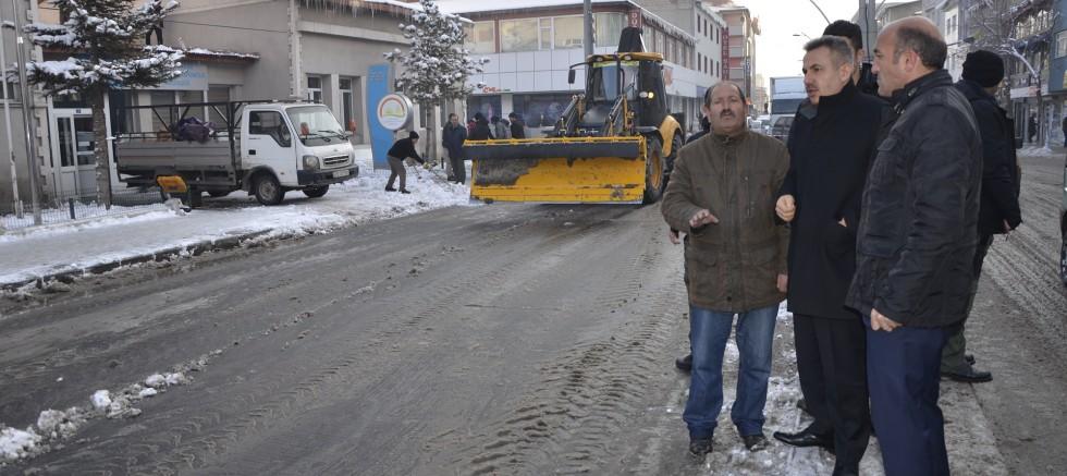 Ağrı Belediyesi karla mücadele başladı
