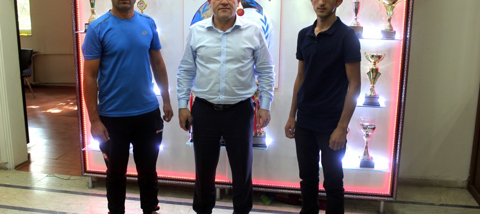 AĞRI'LI KİCK BOKS'ÇU ADEM AVRUPA ARENASINDA