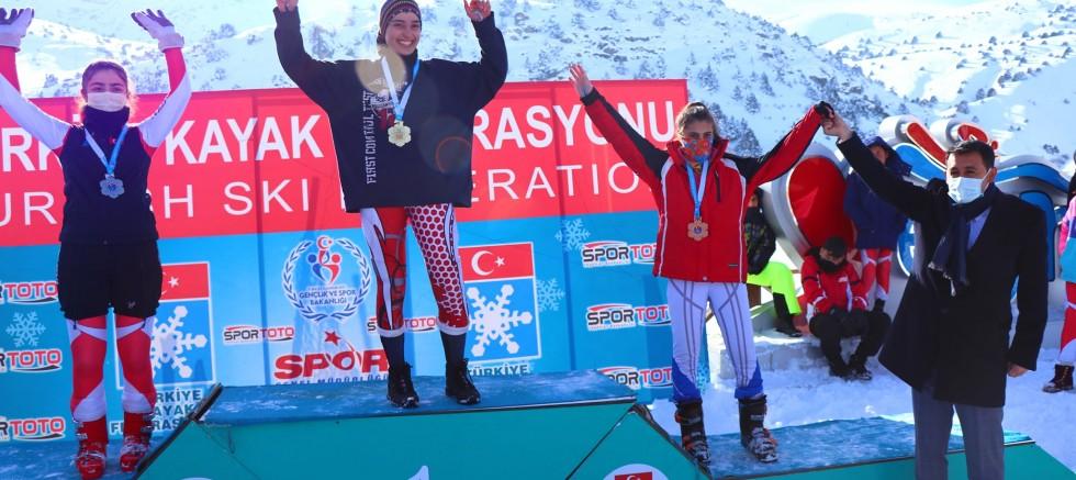 Ağrı'lı Sporcu Berfin Balkis Türkiye Şampiyonu Oldu