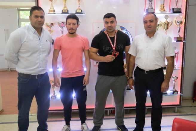 Cemil Budak Başarılı Sporcuları Tebrik Etti