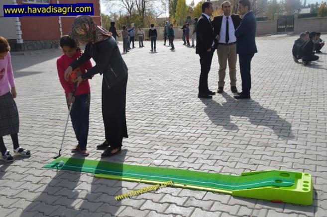 Eleşkirt'li Çocuklar Mini Golfla Tanıştı