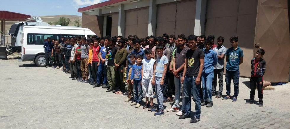 Eleşkirt'te 120 Göçmen Yakalandi