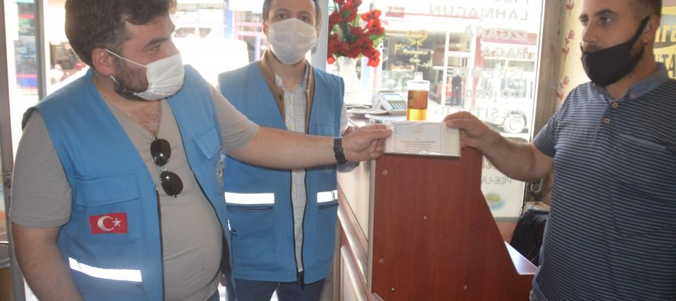 Eleşkirt Vefa Sosyal Destek Gurubu Cafe ve Restoranlara Ücretsiz Maske Dağıttı