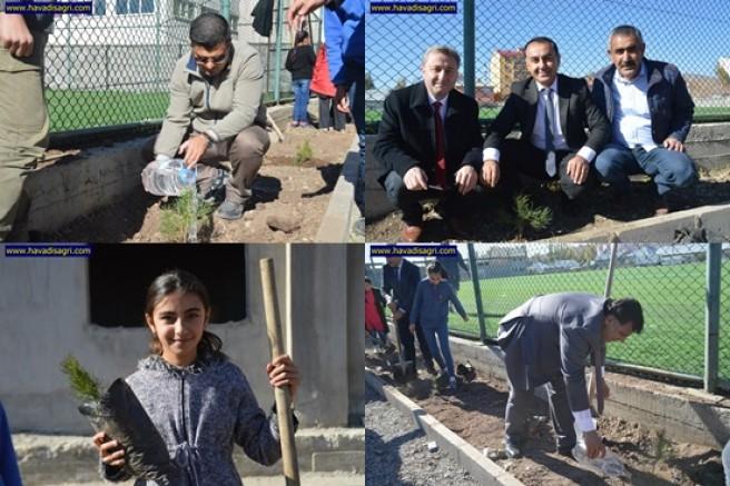 Geleceğe Nefes Ol Kampanyası ile Eleşkirt'te 350 fidan toprakla buluştu.