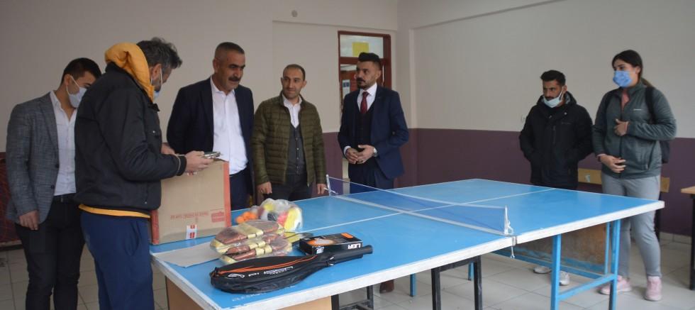 Gençlik Spor ilçe müdürü Köy Okulunu Ziyaret Etti