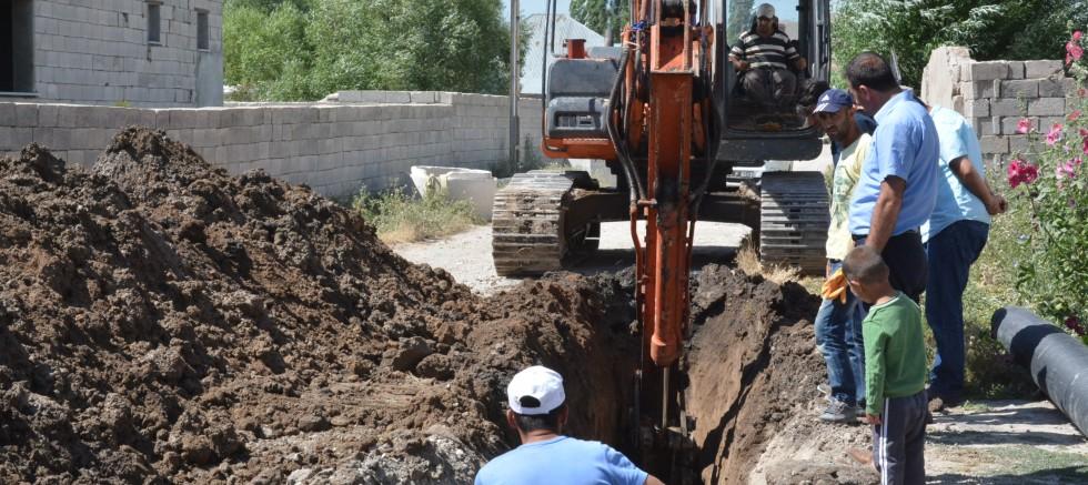 Patnos'ta Alt Yapı ve Çevre Düzenleme Çalışmaları Devam Ediyor