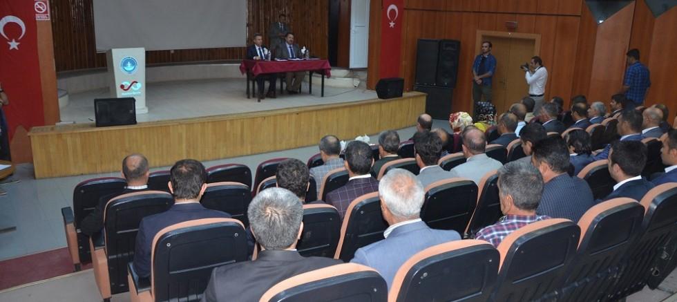 Vali  Elban, Ortaokul müdürleriyle toplantı yaptı